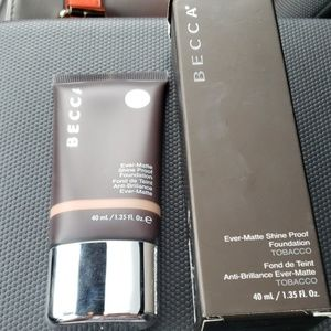 Becca ever matte foundation in tabacco